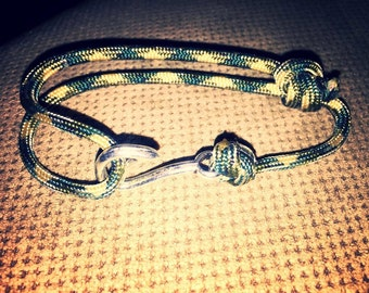 Paracord Fish Hook Adjustable Bracelet