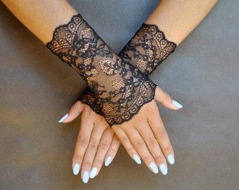 Elegant GOTHIC VAMPIRE Glamour GLOVES black short lace gloves, prom, gothic lolita,