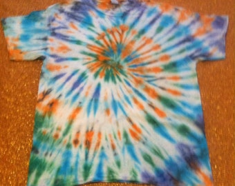 Men's Size Large Tie Dye T-Shirt! 100%cotton, short sleeves, Gildan brand