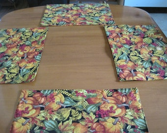 Place mats, Quilted Placemats, Padded Placemats, reversible placemats, cotton placemats, Thanksgiving, Pumpkins, Squash, Gourds