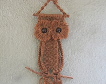 Macrame Owl Wall Hanging - 70s Macrame - Big Eyed Owl