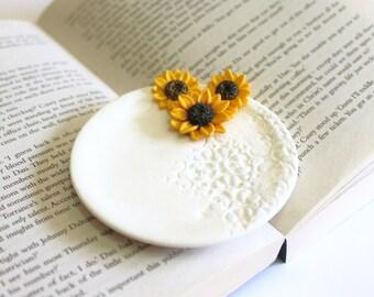 Sunflower ring Dish, holder Ring bearer, Wedding rings storage rustic wedding, wedding decoration, Wedding Gift, Sunflower ring