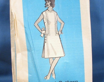 Vintage Sewing Pattern 4789 - Misses Dress Size 14