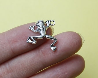 Frog charm antique silver tone - silver frog charm, frog pendant  23 x 17mm