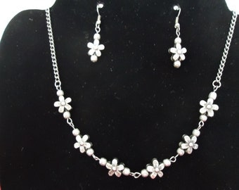 Tiny Flowers Necklace and Earrings