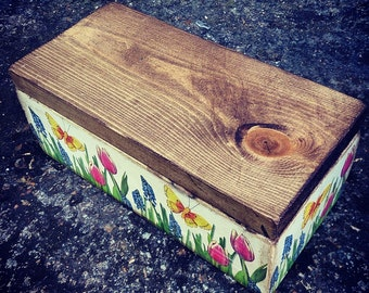 DEORATIVE WOODEN BOX - Spring I