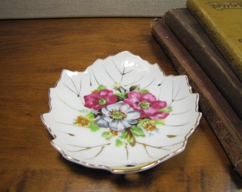 Nasco Leaf-Shaped Trinket Dish - Made in Japan