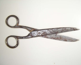 Vintage Rusted Scissors, Vintage Steel Tools, Sewing Supplies, Black and white, Gift for her, Working Condition