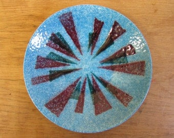 1950s/60s abstract mottled glaze small decorative wall plate, blue & red tones