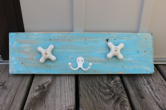 Beachy Distressed Bathroom Towel Rack Hook