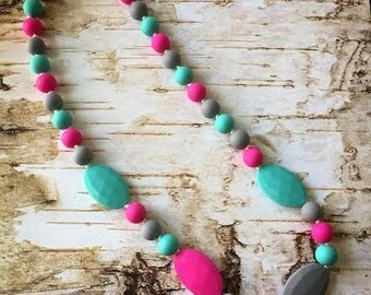 Teething Necklace for Mom, Silicone Teething Nursing Necklace, BPA Free, Nursing Moms, Teething babies, Teething necklaces to wear