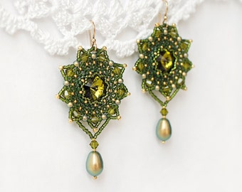 """Bead woven earrings """"Green Stars"""". Beadwoven earrings with Swarovski crystals and pearls. Beaded earrings. Bead weaving, beadwork earrings"""