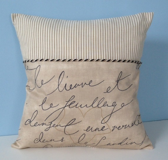 Throw Pillows With French Script : French script throw pillow. Paris pillow. French decor.