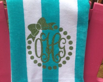 Beach towel w/ glitter vinyl monogram