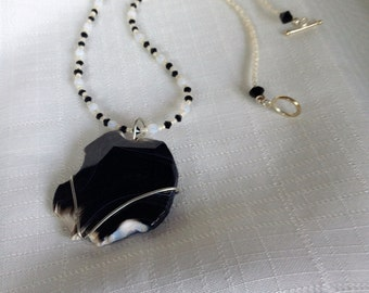 Black and White Banded Agate Necklace