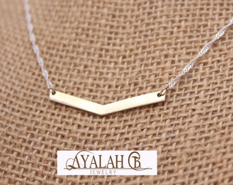 Arrow pendant, silver plated chain, simple geometric necklace