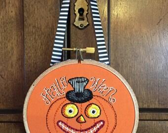 Halloween Sign, Vintage inspired Jack-o-Lanern, Halloween Wall Hanging, Primitve Folk, Embroidery Hoop Art