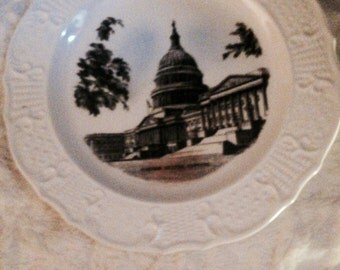 1962 Decorative Plate of the U.S. Capitol made by Delano Studios