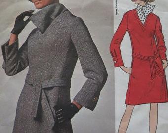 Vintage Vogue pattern 2004 James Galanos