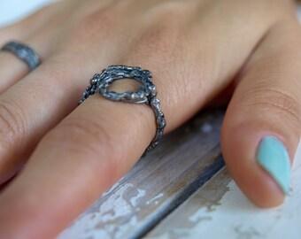 Doodle ring / / statement / / circle / / silver / / black rhodium plated / / minimal / / communication