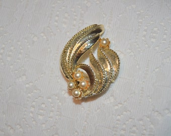 Vintage Pearl Gold Tone  Swirl Brooch Pin