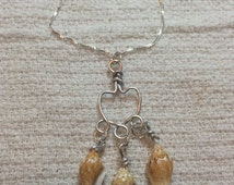 Mini conch shell necklace