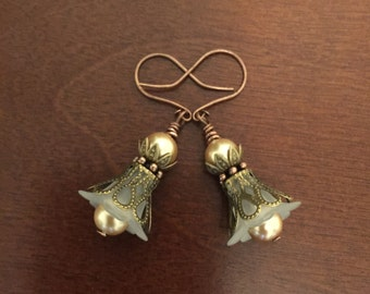 Vintage Bohemian Style Trumpet Flower Earrings