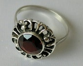 Sterling silver ring with garnet stone, Vintage ring garnet, ring with red stone, size US 8, Size Eu 18,5