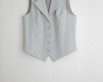 Classic and minimalist vest