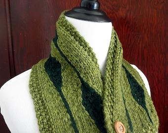 Chunky knit light green scarf, leaf cowl, button cowl, casual scarf, rustic scarf, warm scarf, leaf scarf, cozy  scarf, superwash wool scarf