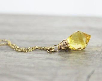 Yellow Gemstone Necklace, Gold Necklace, Wire Wrap Necklace, Light Yellow Necklace, Quartz Necklace, Small Pendant Necklace, Gold Jewelry