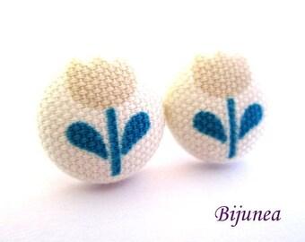 Tulip earrings - Flower tulip stud earrings - Flower studs - Flower tulip posts sf1250