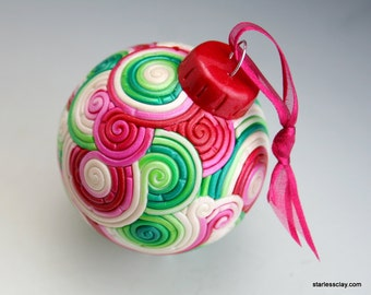 Red and Green Christmas Ball in Fimo Filigree