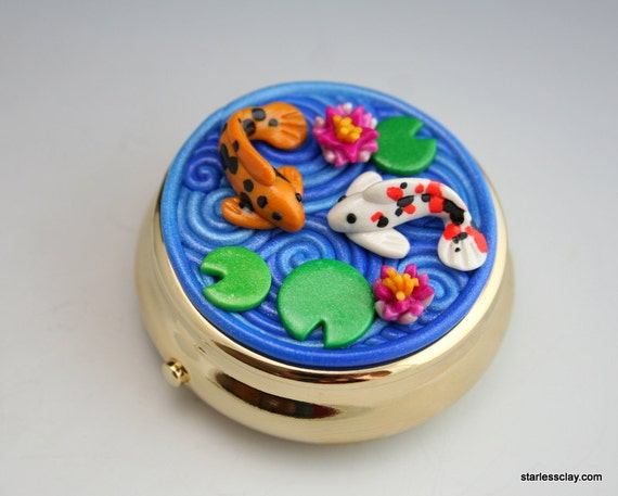 Koi Pond Pill Box in Polymer Clay Filigree (Gold Base)