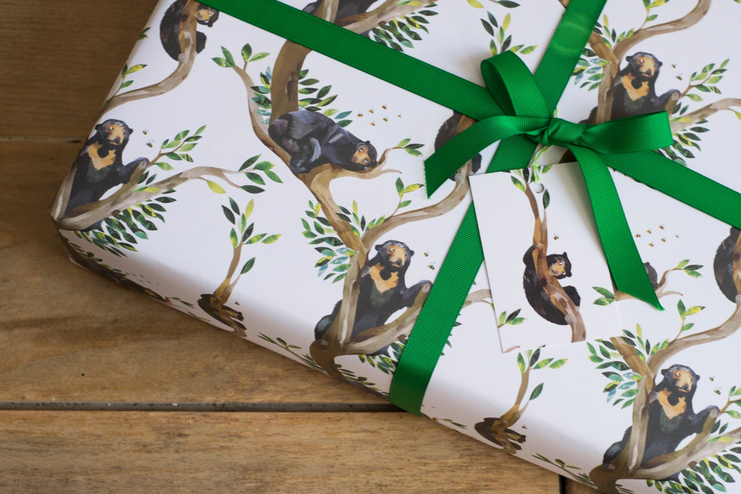 sun bears bees wrapping paper 100 recycled. Black Bedroom Furniture Sets. Home Design Ideas