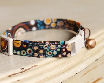 Bubbles Retro Tomcat Safety Cat Collar with Antique Copper Bell or Charm and Cream Buckle
