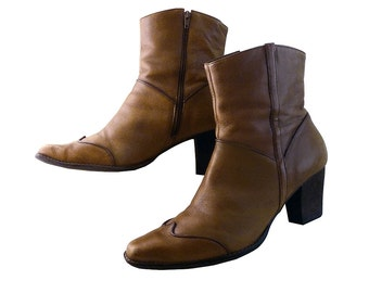 Vintage 80s Brown Leather Cowboy Ankle Boots // Women Size 10 // Distressed but Happy // Piping Details Festival Funky High Heels