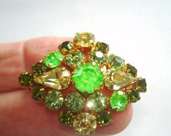 Signed Austria Peridot Rhinestone Green Brooch Gold Tone