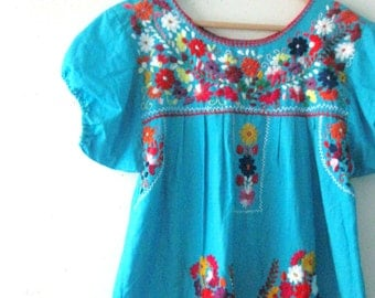 Vintage embroidered Mexican dress / vibrant turquose floral Boho Hippie dress / Festival Ethnic maxi dress