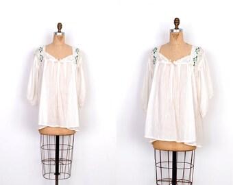 Vintage 1970s Blouse / 70s Cotton Gauze Embroidered Crochet Top / Cream (S M L)