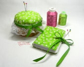 Sewing Needle Case and Pin Cushion with Storage Set / Sewing Needle Book / Sewing Needle Holder - Daisies  #638