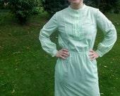 Vintage MINT Green Long Sleeve Sheath Dress // 1960s Plus Size Lightweight Pastel Cotton Day Dress // Fall Fashion Size 14 Large XL