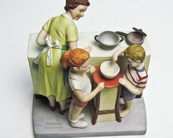 Collectible Norman Rockwell Figurine Mothers Little Helpers Produced 1981 Rockwell Museum American Family Edition