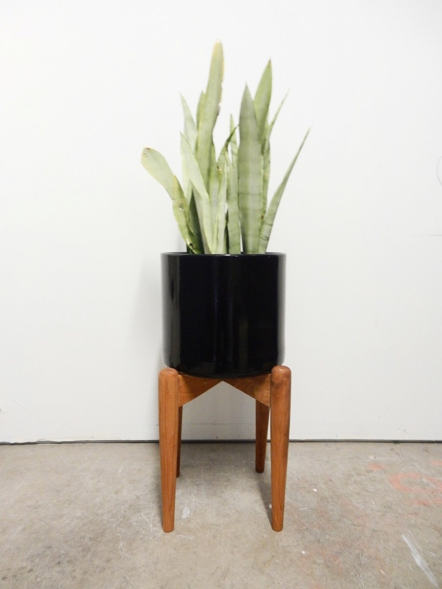 sold out modern plant stand the highrise planter pot stand. Black Bedroom Furniture Sets. Home Design Ideas