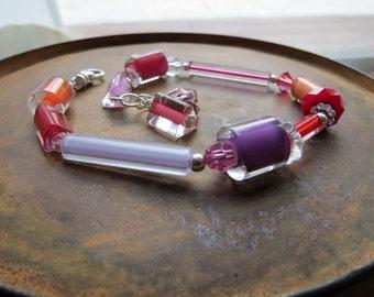 summer color palette bracelet, NO WORDS, lavender purple pink bracelet, apricot red orange bracelet, glass bracelet, sunset bracelet