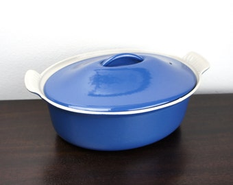 Vintage Le Creuset Small Cocotte Oval Dutch Oven with Metal Handle 2.5 Qt Size 26, Blue Enameled Cast Iron, Enamelware 1960s France 210034