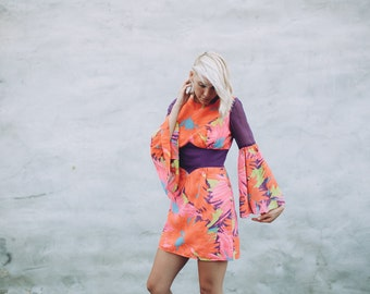 Vintage 70's Floral Bell Sleeve Mini Dress