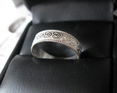 Vintage Sterling Silver Wedding Band Ladies Wedding Ring Vintage Wedding Band Stacking Ring Silver Heart Renaissance Ring Heart Ring