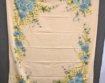 1960s Floral Printed Cotton Tablecloth
