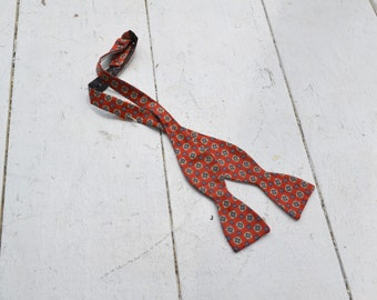 1980s Bill Blass Red Silk Bow Tie
